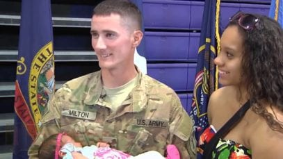 (EMOTIONAL NEW😍) Soldiers Coming Home Daddys Surprise Homecoming